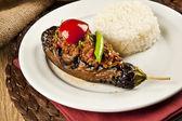 Turkish traditional eggplant rice and meat, karniyarik pilav — Stock Photo