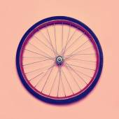 Vintage hipster photo bicycle wheel, abstract minimalism concept — Стоковое фото