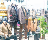 Mannequins in shopping mall — Stock Photo