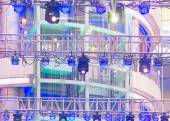 Strahler auf der Theater-Bühne — Stockfoto