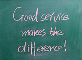 Good service makes the difference written on chalkboard — Stock Photo