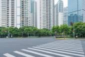 The century avenue of street scene in shanghai Lujiazui — Stock Photo