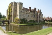 Moated castle. Hever Castle, Kent, England — Stock Photo