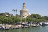 Torre Del Oro, gold tower at Guadalquivir riverside, Seville, Andalusia, Spain — Stock Photo