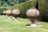 Italian terracotta containers. sculptures, Hever castle, Kent, England — Stok fotoğraf