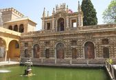 Fountain and ruins, Alcazar, Seville, Andalusia, Spain — Stock Photo