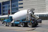 Heavy liquid truck  or lorry. Liquid lorry. tank truck. tanker truck. petrol tanker. tanker — Stock Photo