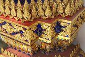 Ornate column. gold leaf.  Wat Phra Kaew, The Grand Palace, Bangkok, Thailand — Stock Photo