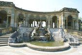 Sculptured fountain, Hever castle garden, Kent, England — Stock fotografie