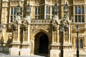 The entrance of  The Palace of Westminster in London, England — ストック写真