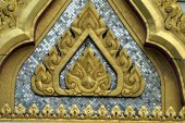 Close-up to the front gable of Wat Phra Kaew, Temple of the Emerald Buddha, Bangkok, Thailand — Stock Photo