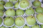 Guava fruit. tropical fruit for sale — Stockfoto