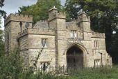 スードリー城、ウィンチコム、チェルトナム、英国グロスターシャーの守衛詰め所 — ストック写真