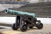 Cannon, artillery, the Great Court, Blenheim Palace, Woodstock, Oxfordshire, England — Stock Photo