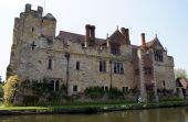 Hever castle in Hever, Edenbridge, Kent, England — Stock Photo