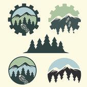 Reeks van vintage etiketten berg avontuur — Stockvector