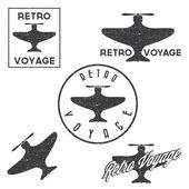 Set of vintage retro grunge aeronautics flight badges and labels — Stock Vector