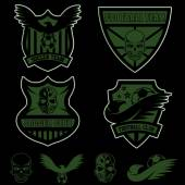 Football team crests set with eagles and skulls — Stock Vector