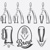 Vintage collection of beer and beer dispensers — Stock Vector