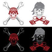 Etichette di tema del motociclista con teschio, chiavi e pistoni — Vettoriale Stock