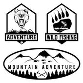 Set of vintage adventure labels with bear,salmon and mountains — Stock Vector
