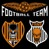 Football team crests set with wings and skulls — Stockvektor
