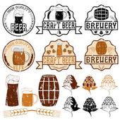 Set of grunge beer emblems — Stock Vector