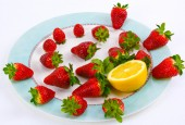 Italian natural strawberries — Stock Photo