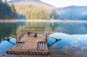 Sunset on Sinevir lake. Volcanic lake in the Carpathian Mountains. Ukraine, Europe — Stock Photo