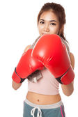 Asian slim girl  with red  boxing glove — Foto de Stock