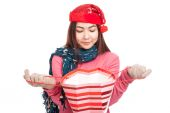 Asian girl with red christmas hat open and look inside shopping  — Stock fotografie