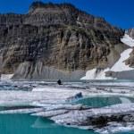 Trekking in Grinnel Lake Trail, Glacier National Park, Montana,  — Stock Photo #53269509