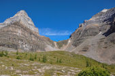 Temple pass trail in Banff National Park, Alberta, Canada — Stock Photo