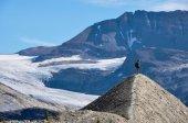 Hiking as high as you can for beautiful views in Yoho National P — Stock Photo