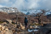 Trekker in Fitz Roy trail, South Argentina — Stock Photo