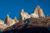 Sonnenaufgang über dem fitz roy-gebirge, argentinien. — Stockfoto