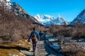 Wanderer im fitz roy trail, süd-argentinien — Stockfoto