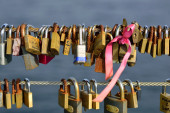 Padlocks on Wires — Stock Photo