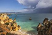 Cliff and beach - Ponta de Piedade, Portugal — Foto de Stock