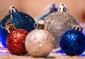Decoração de Natal em fundo quente — Fotografia Stock