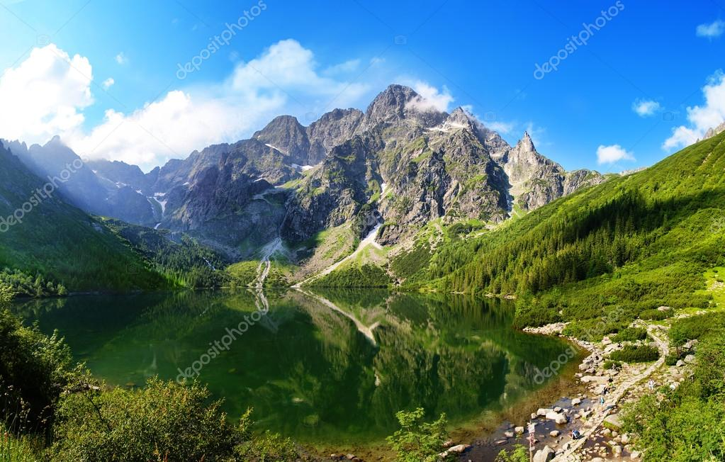 Фотообои Tatra mountains and Eye of the Sea in Poland