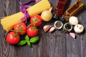 Fresh vegetables as ingredients in dishes — ストック写真
