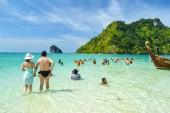 Krabi with tourist — Stock Photo