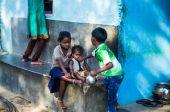 Children in slum — Stock Photo