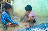 Indian slum boys — Stock Photo
