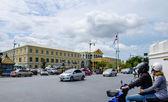 Traffic around crossroad of Royal palace area — Stock Photo