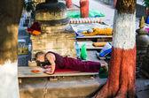 BODHIGAYA, INDIA - MAY 13, 2014: Tibetan Buddhist monks salute t — Stock Photo