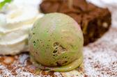 Gourmet ice cream with Japanese green tea Matcha — ストック写真