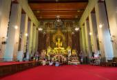Buddhists in the church of Buddhism temple — Foto de Stock