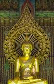 Ancient  Golden Buddha statue in Thailand — ストック写真